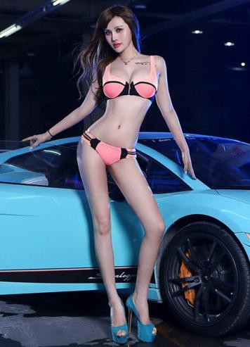 比基尼美女车模和兰博基尼跑车 力量和美丽的结合