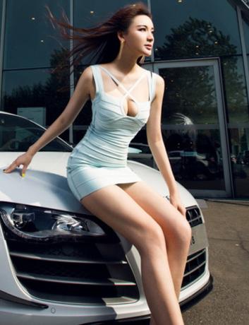 都是白领丽人 引领时尚风潮的美女车模