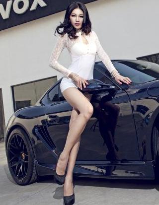 大长腿美女车模 白皙诱人腿控的最爱