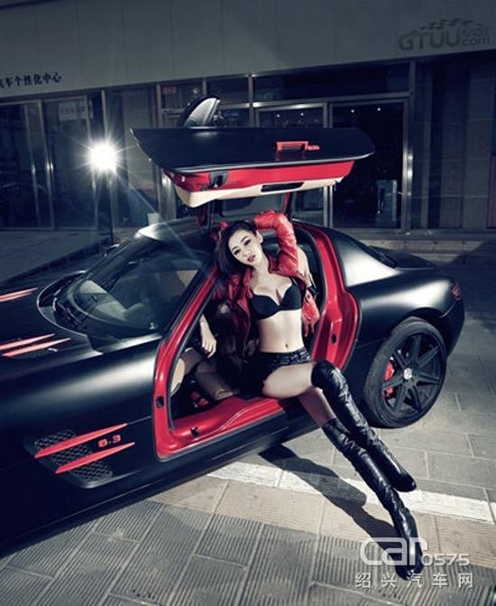 冷艳高傲的车模 有颜值有身材就是任性