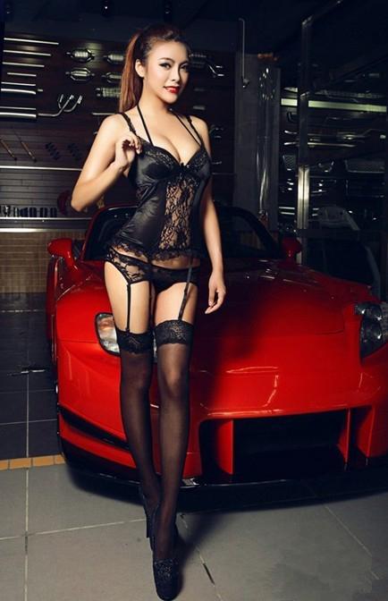 极品性感大胸美女车模第二期  身着黑衣尽显妖娆