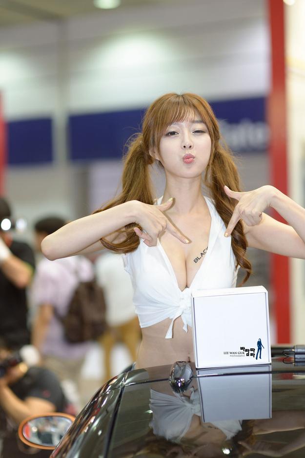 韩国性感甜美车模崔瑟琪  第一期