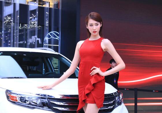 车展上颜值 气质俱佳的美女车模