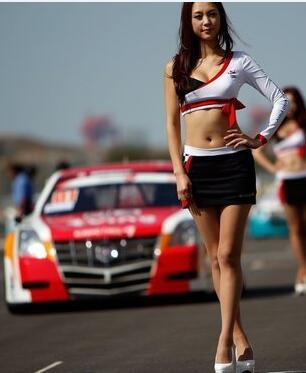 赛车女郎齐亮相  个个有颜有身材