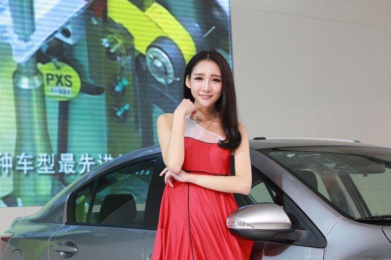 南京国际车展之马自达美女车模