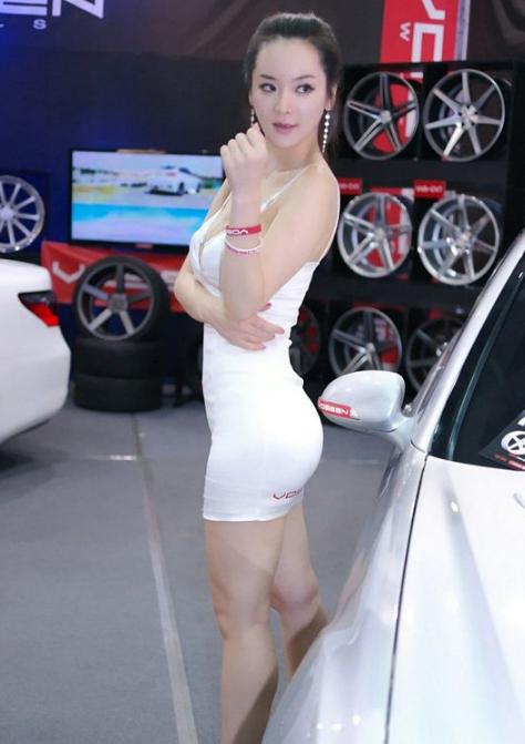 东风标致美女车模图片 标致汽车模特