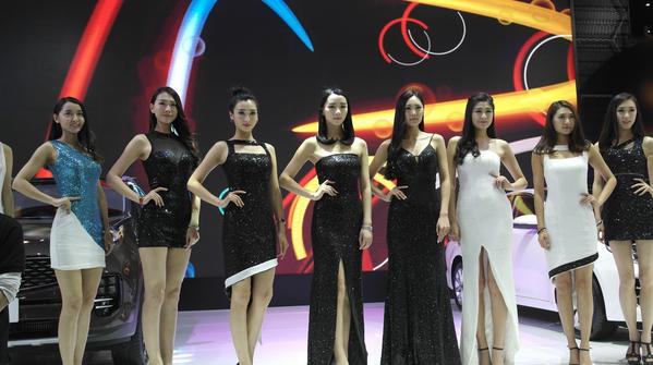南京人买车为啥选五一?一年一届的南京国际车展告诉你答案?