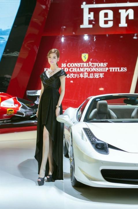 北京车展ShowGirlmei美腿嫩模性感写真