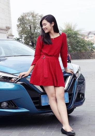 性感美女车模连衣裙高跟美腿