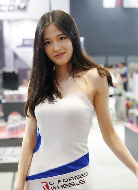 2018CAS改装车展超美车模性感