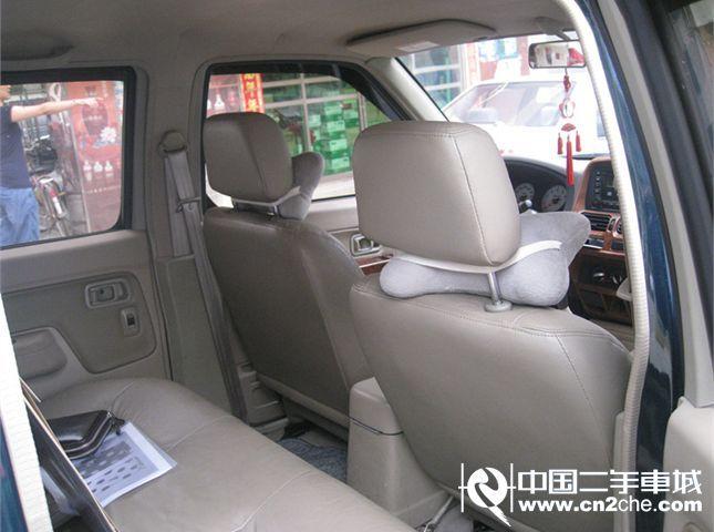 D22皮卡 2.4L 手动两驱 豪华型(国Ⅱ)