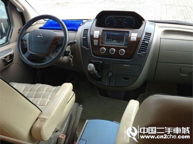 大通 MAXUS V80 2011款 2.5L 手动5挡 长轴 高顶 商杰版