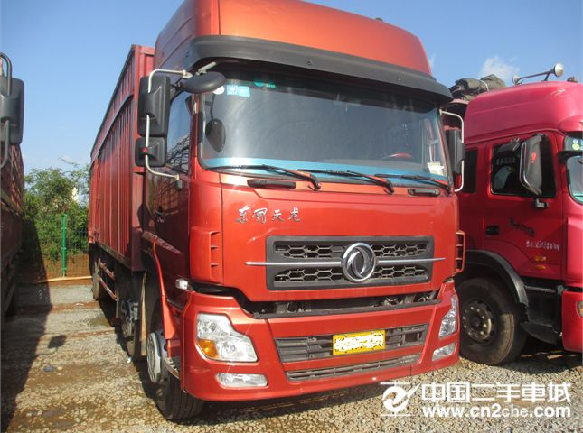 东风 天龙 载货车 245马力 4x4 前四后四  厢式