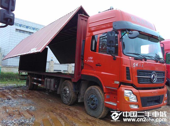 东风 天龙 载货车 230马力 6X4 前四后六  厢式(翼开启)