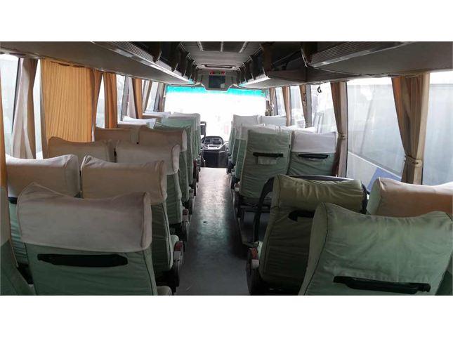 厦门金龙 团体客车 金龙客车XMQ6127