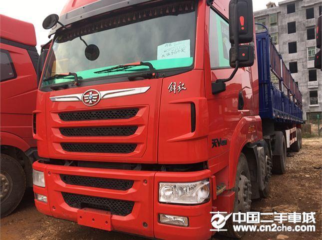 青島解放 天V 牽引車 重卡 400力 6X4 LNG牽引車(CA4258P2K15T1NE5A80)