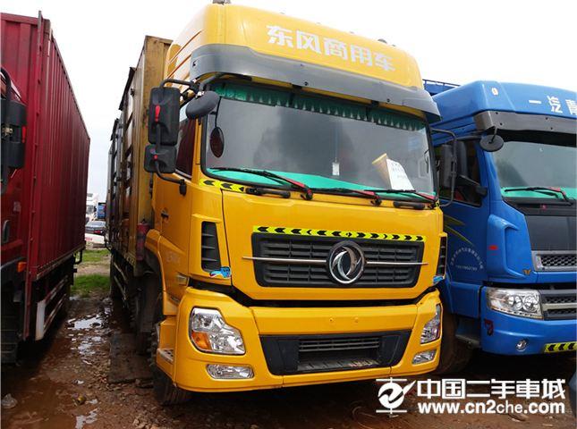 东风 天龙 245马力6X2前四后四厢式载货车