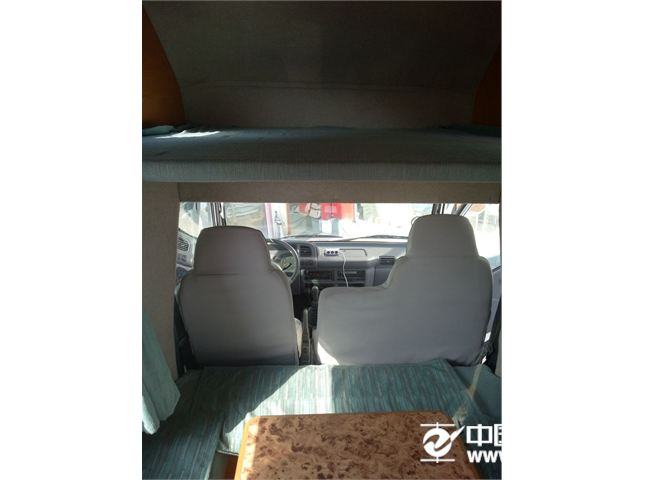 江铃 经典全顺 2011款 柴油 短轴 多功能 低顶 6座(75KW)