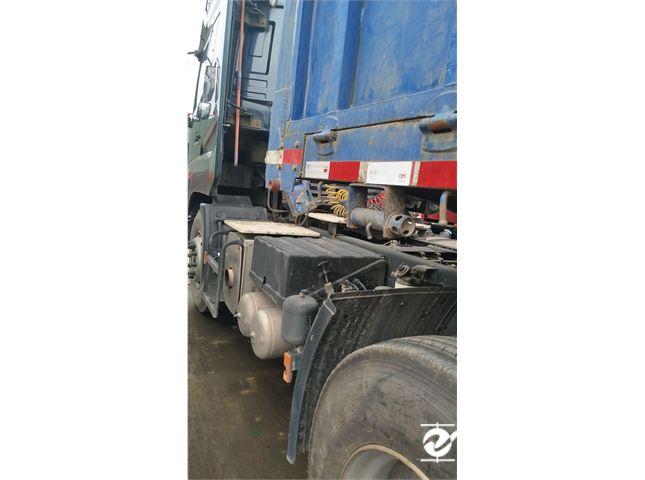 东风 天龙 牵引车 重卡 420马力 6X4 前四后六