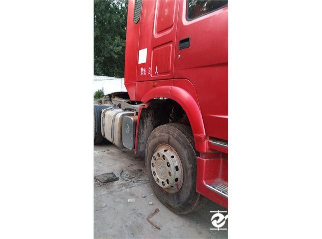 中国重汽 豪沃 牵引车 重卡 336马力 6X4 前四后六  (精英版 HW76)(变速器HW20716)