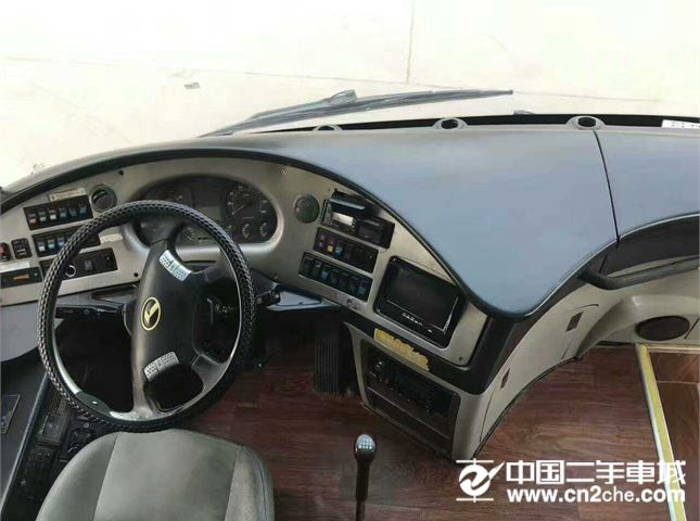 金龙 海格客车 2011款 V7 KLQ6796 5.2 MT 柴油版