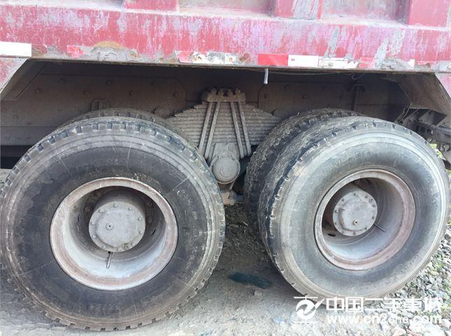 中国重汽 豪沃 前四后八