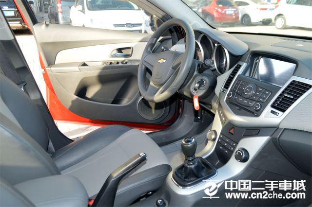 雪佛兰 科鲁兹三厢 2011款 1.6L SE MT 变形金刚版