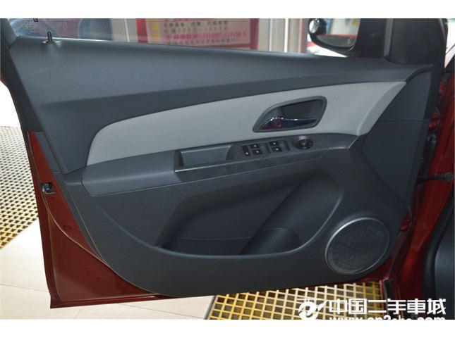 雪佛兰 科鲁兹三厢 2011款 1.6L SE AT 变形金刚版