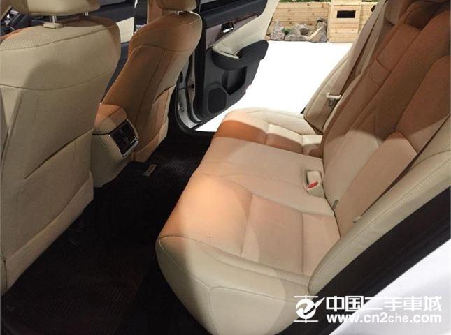丰田 皇冠 2015款 2.0T 精英版