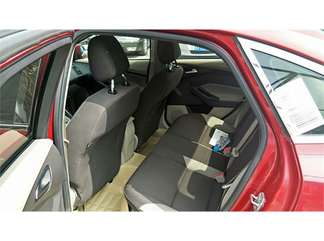 福特 福克斯三厢  1.6L 自动 舒适型