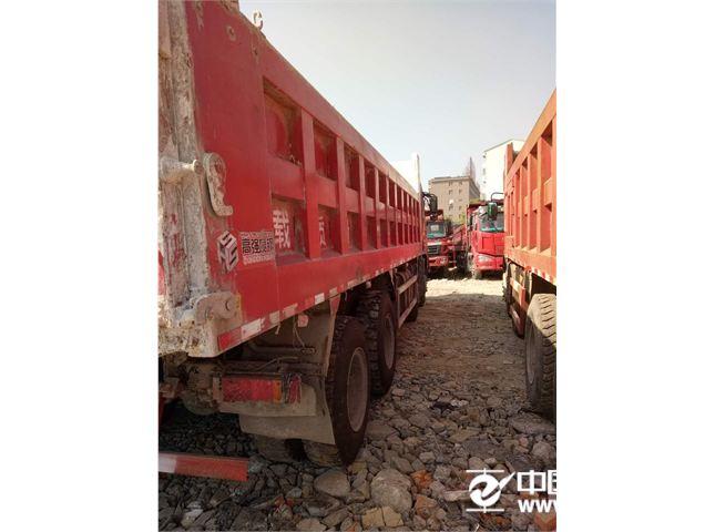 东风 天龙 350马力轻量化前四后自卸车