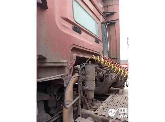一汽解放 J6 460马力牵引车