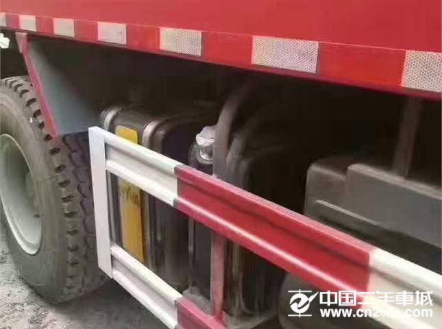 中国重汽 豪沃 中国重汽二手前二后八国四豪沃340马力