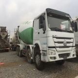 中国重汽 搅拌运输车 出售14年3月豪沃搅拌罐车,大18方能拉20,