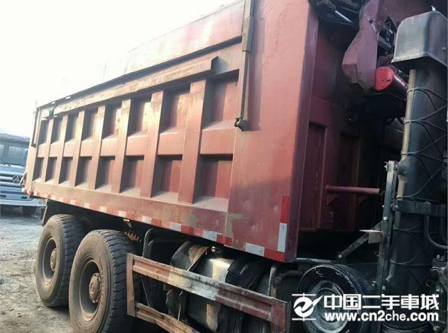 福田 欧曼 13年的二手欧曼自卸车,5米6大箱,马力340,手续齐全