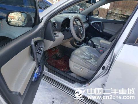 丰田 RAV4 2.4 豪华型