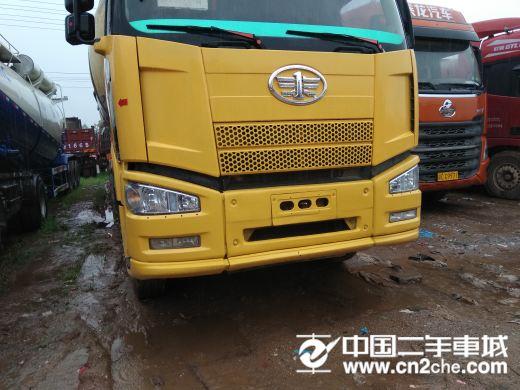 一汽解放 J6 375马力水泥罐车