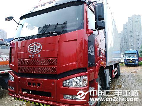 一汽解放 J6P  350马力8×4厢式载货车(标载型)