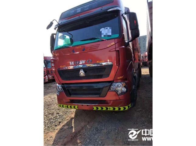 中国重汽 豪沃T7 重卡 440马力 6X4 牵引车(速比:3.7)