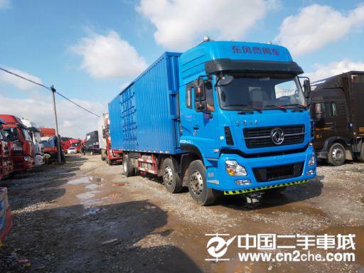 东风 天龙 270马力厢式货车