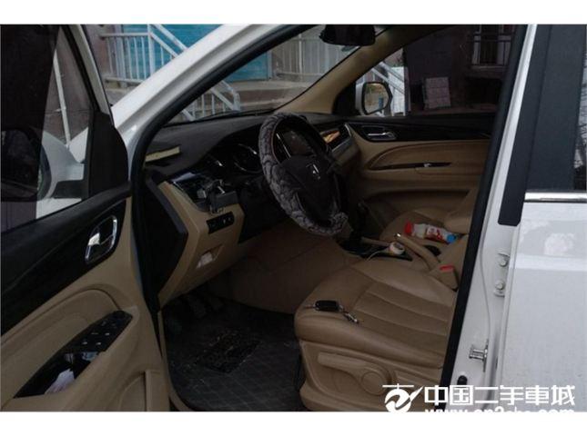宝骏 730 2016款  1.5L 手动舒适版 7座