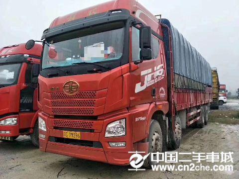 青?#33322;?#25918; JH6 JH6重卡 375马力 8X4 9.5米载货车