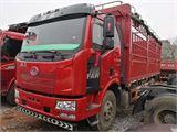一汽解放 J6P 220马力 4X2 6.75米仓栅式载货车