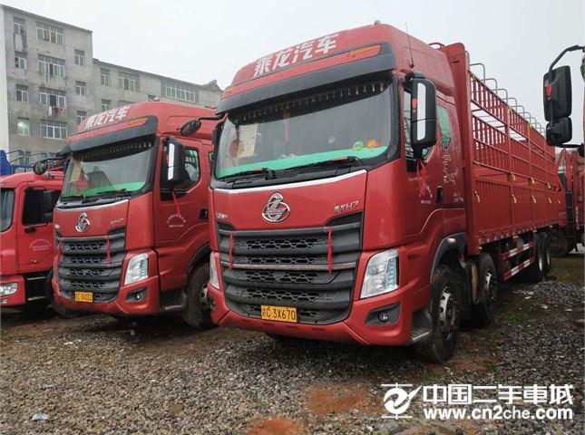 东风柳汽 乘龙 载货车 H7重卡 350马力 8X4 9.6米仓栅式底盘