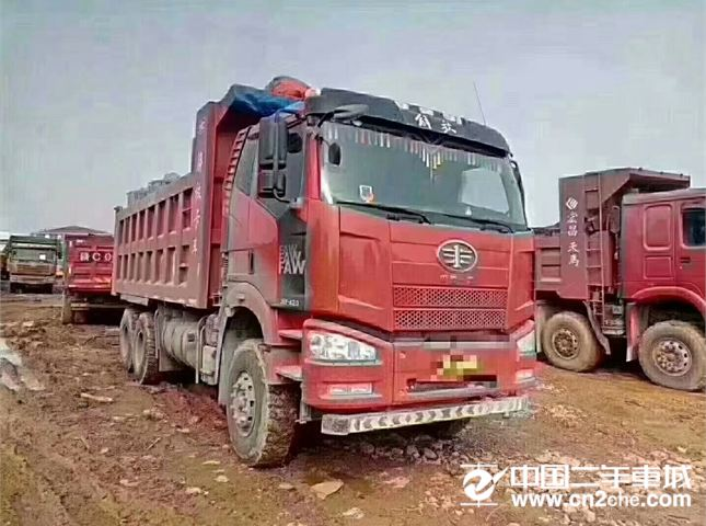 一汽解放 J6P 解放J6P,带全保420马力,6.2米货箱