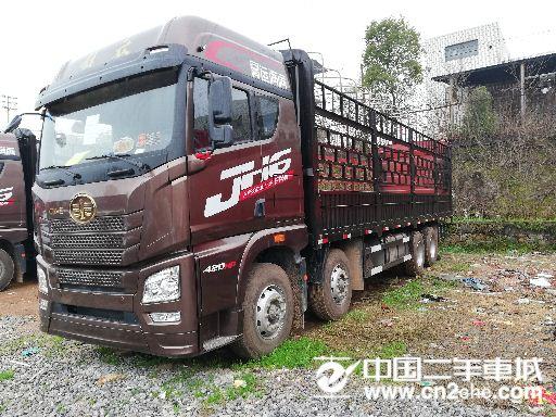 青?#33322;?#25918; JH6 H6重卡 420马力 8X4 9.5米仓栅式载货车(3.727速比)