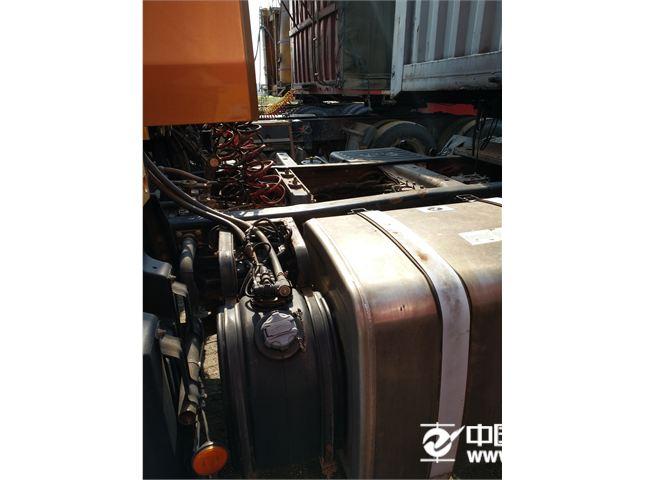 华菱 汉马 牵引车 H9 6x4 460马力 牵引车