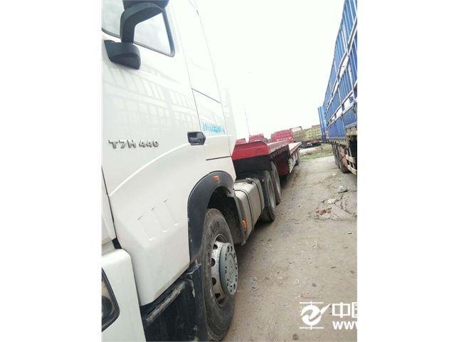 中国重汽 豪沃 440马力6x4