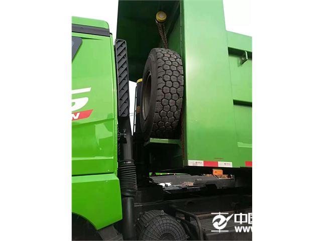 青岛解放 JH6 自卸车 重卡 375马力 6X4 5.6米自卸车(CA3251P25K15L3T1E5A80)
