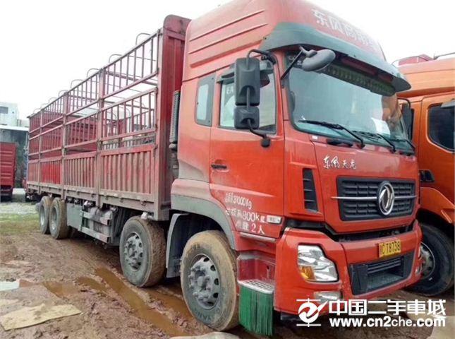东风 天龙 350马力前四后八载货车